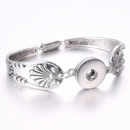 $enCountryForm.capitalKeyWord NZ - Classic alloy archaize 18 mm snap button bracelets, lead different fashion charm, as the best gift