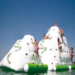 Venta al por mayor de (Tienda especializada) juego acuático inflable de iceberg que juega en el parque. Juguete acuático de verano de muchos tamaños para una escalada en agua selecta.
