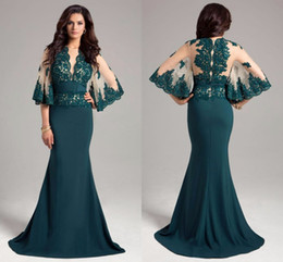 Barato Escuro Verde Sereia Vestidos De Noite-2017 Vintage Dark Green Mermaid Mãe Vestidos Sheer Jewel Neck Appliques Meias mangas Mãe Casamento formal Evening Party Gowns