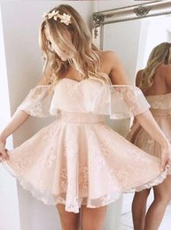Barato Shorts Pregueados Com Pregas-Lovely Off Shoulder Lace Pink Vestidos Homecoming 2017 Little Short A Line Pleats Mini Cocktail Gowns Backless
