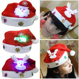Nueva Navidad LED sombreros para niños adultos de dibujos animados de Santa  Claus Snowman Elk Navidad Cap de la fiesta de Navidad Cosplay Suministros  Regalo 29519ad87f3