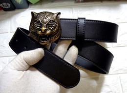 Ingrosso Cintura nera da uomo Cintura da uomo in vera pelle Cintura colore puro con motivo tigre con fibbia Spedizione gratuita