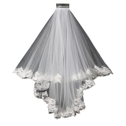 China 2017 Lace wedding veil lace short design single wedding bride's Veil long hair comb Free shipping in stock suppliers