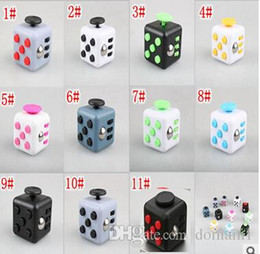 Barato Brinquedos Divertidos-3.3cm Mini Fidget Cube Vinyl Escrita Finger Toy Squeeze Fun Stress Reliever 11 Color Click Glide Flip Spin Breathe Roll With Box