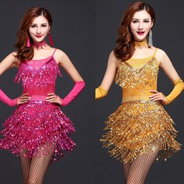 Femme De Robe De Performance Latine Pas Cher-Femal Tassels Costume de danse latine Ballroom féminin Performance Wear Adultes Sequined Clothing Customes dancing dress with WIth Gloves