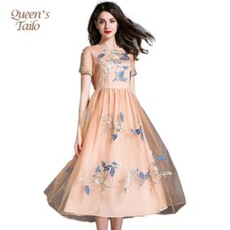 Barato Bordado Vestido De Malha De Renda-Queen's Tailo Elegante Mulher Summer Lace Patch Mesh Heavy Embroidered Midi Party Dress 6861 q170661