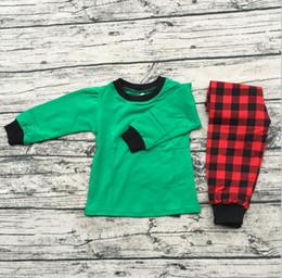 dea8b681b6 Neues Design Bio-Baumwolle Kinder Pyjamas Baby Mädchen Jungen Mode grünen  Hemden passen karierten Hose Schlafanzug Anzüge