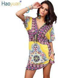 Barato Indiano Vestido Casual Mulheres-HAOYUAN Women Bohemian Beach Dress 2017 Vintage Floral Print V-Neck Backless Sexy Retro Indian Casual Summer Mini Dress Vestidos q1110