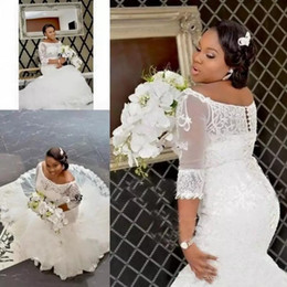 Barato Mais Tamanho Luva De Renda Nupcial-Country Lace Wedding Dresses Africano Plus Size Half Sleeve Lace Appliques Off Shoulder Mermaid Bridal Gowns Covereed Button Custom Made