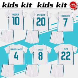 Chemises En Polyester Blanc Pas Cher-2018 Kids Kits Maillot de football du Real Madrid 2017/18 Maillots de football blanc White Boy Ronaldo Bale Benzema Vêtements de football enfants ISCO Kroos