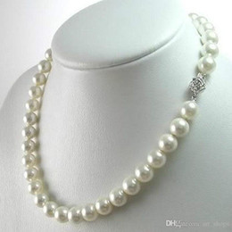 $enCountryForm.capitalKeyWord NZ - FFREE SHIPPING**8MM White South Sea Shell Pearl Gemstones Round Beads Flower Clasp Necklace 18""