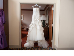 $enCountryForm.capitalKeyWord UK - Elongated Dropped Waist Strapless Mermaid Satin Pleated Ruched Bridal Gowns Vestido COR-613 Wedding Dresses Casamento MEGAN Robe De Mariee