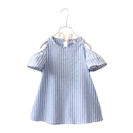 Barato Vestidos Curtos De Vestimenta Casual-Striped Sweet Kids Girls Blue Color Fashion Dress Summer Baby Girls Vestuário Vestido de algodão Puff Short-Sleeve e Bows Girls Casual Dress