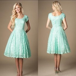 $enCountryForm.capitalKeyWord Canada - New Arrivals 2017 Mint Green Lace Short Beach Country Bridesmaid Dresses Cheap Scoop Neck Short Sleeve Knee Length Maid Of Honor Gown EN4061