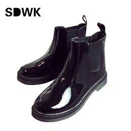 China Wholesale- Platform Rain Boots Ladies Patent Leather Ankle Boots Low Heels Women Boots Slip On Flats Shoes Woman Plus Size 35-40 B180 cheap flat heel rain boots suppliers