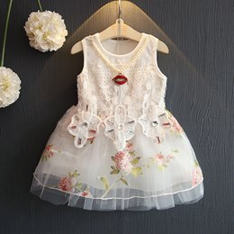 Robe Collier Été Pas Cher-2017 Summer New Lace Vest Robe bébé Girl Princess Princess Dress Chlidren Vêtements Enfant Party Costume Robe d'anniversaire avec le collier K045