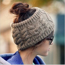 Barato Cabelos Crochê-New Fashion Women Knitted Inverno Woolen Caps Vazio Skull Beanie Warm Ponytail Chapéus Twist Crochet Wool Headband Hair Band A372