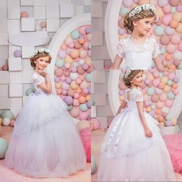 Barato Vestido Sólido Para Aplicação-New White and Ivory Flower Girls Vestidos Manga curta O-neck Ball Gown Appliques Solid Vestidos De Comunion Hot Kids Evening Gowns