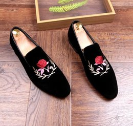 Style Wedding Dresses For Men Canada - New style Brand Designer Men Velvet Embroidery Flowers Shoes Loafer shoe For Male Homecoming Groom dress wedding shoes moccasins GX38