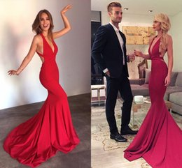 Barato Vestido Longo De Cetim Vermelho Satinado-Sexy Red Mermaid Evening Dresses Decote Plunging Criss Cruz Costas Satin Backless Mulheres Prom Dresses Longo Partido Vestidos Sweep Train