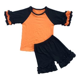 Barato Babados Baratos-Icing Girls Vestuário Set Ruffle Three Quarter Baby Girls Tee Short Outfit Preto Laranja Halloween Children Clothes Retail Cheap