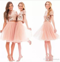 Robes De Bal Peu Courtes Pas Cher-2017 Sparkly Blush Rose Rose Or Sequins Homecoming Robes Beach Cheap Short Sleeves Bridesmaids Deux Pieces Prom Robes de soirée BA6048