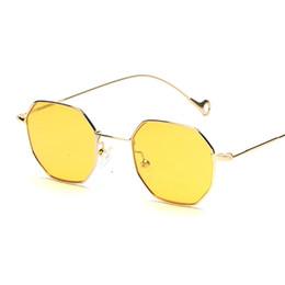 Peekaboo azul amarelo vermelho tingido óculos de sol mulheres pequeno  quadro polígono 2017 design da marca do vintage óculos de sol para homens  retro abf7cf7e5b