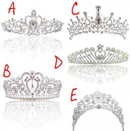 girls crowns tiaras 2019 - Big Princess Classic Bride Headpieces Tiaras Cute Girls Tiaras Crowns All with Crystal for Wedding and Gift New Style Fr