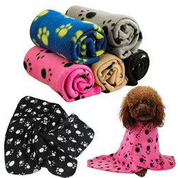 Vente en gros Couverture d'hiver de haute qualité pour animaux de compagnie de chien de compagnie de chien de chien de chien chaud couvre-tapis de molleton empreinte de patte dernière