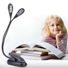 Ingrosso LED Light book light double head 4leds Batterie USB Power Portable Luce notturna pieghevole Stand Lampada da lettura Clip musica leggera ZJ0071