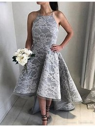 Robes Bas Arrière Gris Pas Cher-Halter Grey Lace High Low Prom Robes 2017 Sexy Vestido De Festa A-Line Long Girls Graduation Party Robes de soirée Front Short Back Long