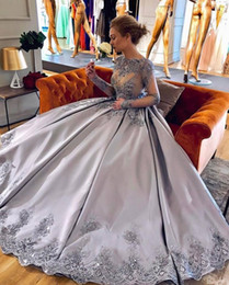 Barato Lilás Vestido De Baile De Cristal-2018 Lilac Plus Size Ball Gown Prom Dresses Bateau Neck mangas compridas Crystal Appliques Satin Sparkly Evening Gown Formal Celebrity Dresses