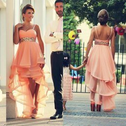 Robe À Bas Prix Pas Cher-2017 Peach Spaghetti High Low Prom Robes Long Bling Sequined Sash Tiered Formal Party Gowns Custom Made Livraison rapide EN9143