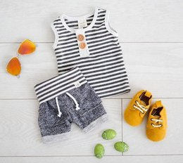 Ensembles De Vestes Pour Costumes Pour Garçons Pas Cher-2017 Ins Summer Infant Baby Boys Set Coton rayé Veste Top + Shorts 2pcs Outfits Enfant Vêtements Suit 13197