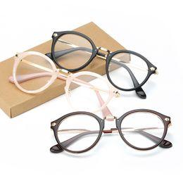 $enCountryForm.capitalKeyWord Canada - Wholesale- Fashion Women Eyeglass Frame Eyewear Brand Designer Plain Optical glasses Classic Eyeglasses Frame Men prescription Frame F15019