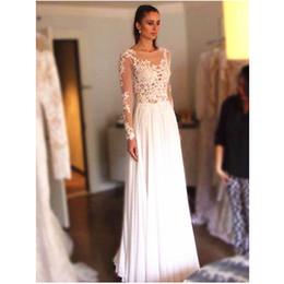 Eleganti abiti da sposa senza spalline a maniche lunghe da spiaggia 2017  Lunghezza pavimento in chiffon 081cf61dde3