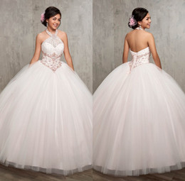 Barato Vestidos Brancos Brancos De Debutante-Ball Gown Halter Beaded Cheap White Quinceanera Dresses 2017 vestidos de 15 anos debutante vestidos Long Tulle Prom Party Gowns ADQ001