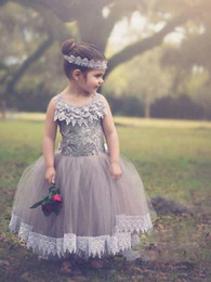 $enCountryForm.capitalKeyWord NZ - 2019 Fashion New Purple Halter Lace Flower Girl Dresses For Girls Dressy Tulle Long Applique Evening Prom Gowns for Kids Comunion