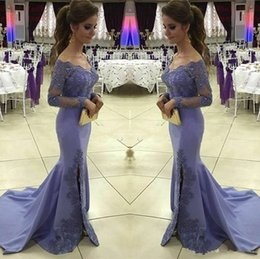 Barato Mangas Roxo Claro Vestido-Light Purple Side Split Mermaid Evening Dress Manga comprida V Neck Lace Applique Satin Sweep Train Mulheres Formal Party Gown Pageant Wear Cheap