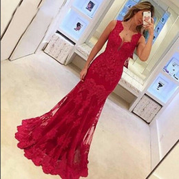 Robes Rouges Robes De Soirée Pas Cher-Elegant Red 2017 V-Neck Lace Applique Long Robes de soirée Spaghetti Straps Tulle Evening Gowns Robe de bal Vestido de Festa