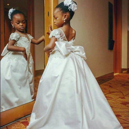 $enCountryForm.capitalKeyWord Australia - Lovely White Princess Girls Pageant Gowns Sheer Neck Lace Appliques Cap Sleeves Flower Girl Dresses For Wedding Baby First Communion Dress