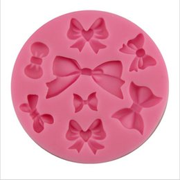 Wholesale Fashion New Food Grade DIY Bow Tie Silicone Mold Cake Mold Silicone Baking Tools Kitchen Accessories Decorations Fondant