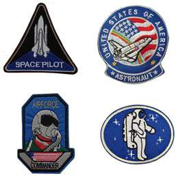 $enCountryForm.capitalKeyWord Australia - 4PCS Set Astronaut Air Diver logo Iron On Cheap Embroidered Patches Appliques For Clothing Patch Badges Military Free Shipping
