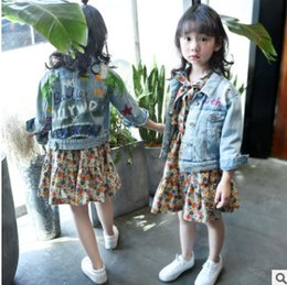 Robe Robe Fille Pas Cher-Big Kids filles denim veste enfants lettre feuille bricolage graffiti manteau enfant revers trou jeans tops outwear fille imprimé floral robes R0309