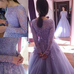 Barato Vestido De Bola De Renda Roxa-2018 Vintage Purple Lace Illusion Long Sleeves Vestidos de noite Plus Size Prom Vestido Beaded Ball Gowns Quinceanera Party Dresses