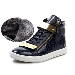 $enCountryForm.capitalKeyWord Canada - 2017 new Men winter casual Sneakers Fashion High Top Men flat boots Men's Brand Sneakers Crocodile Pattern Zipper Metal Buckle Strap boots