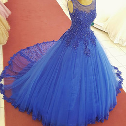 Barato Colher Doce Vestido 16-Royal Blue Tulle Beaded Quinceanera Vestidos Vestidos de baile Sheer Scoop Neck Appliques Tamanho Plus Sweet 16 Dress Puffy Prom Party Gown