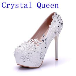 $enCountryForm.capitalKeyWord UK - Crystal Queen Fashion Lady White Wedding Shoes Bridesmaid Bridal Shoes Rhinestone Lace Shoes High Heels Women Pumps