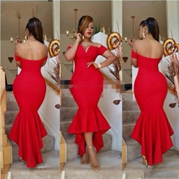 Barato Vestidos Formais Estilo Modesto-Red Sereia Estilo Vestidos de noite Off Shoulder High Low Simples Modest Prom Vestidos Voltar Zipper Ruffle Custom Made Vestidos Partido formal 2017