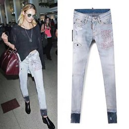 Jeans Léger En Jean Denim Pas Cher-Cool Girl Skinny Fit Leg Jeans Femme Light Blue Jeans Cowboy Style Stitch Letter Ripped Denim Pants Femme